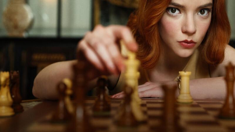 有雷!Netflix 神劇《后翼棄兵》沒明說的內心戲!用服裝細節教你看懂天才棋手的心理狀態