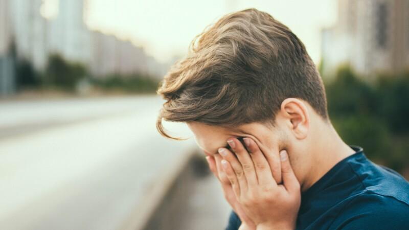 怎麼都睡不飽,做事總提不起勁?8種症狀中4種~小心你已有「慢性疲勞症候群」
