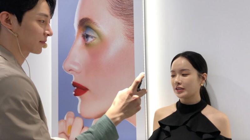 韓國彩妝師李昀熹親授定妝噴霧正確用法,原來要TX噴法!