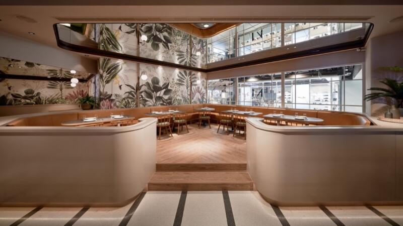 《M One Cafe》進駐新光三越A11開新店了!室內打造奶茶色加州慵懶風,推出6款獨家限定菜單