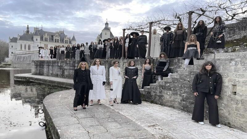 將失傳工藝化成超夢幻服裝,Chanel Métiers d'art 2020/21工坊系列浪漫登場,這些工藝亮點妳一定要知道!