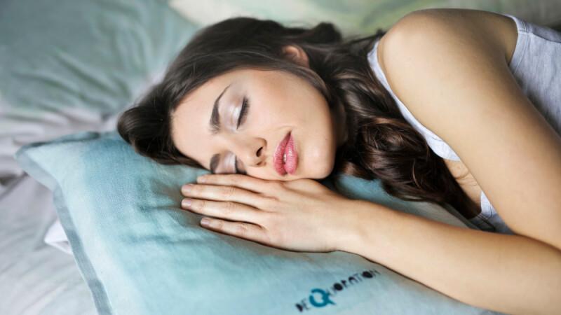 睡眠品質差,常常睡不著或不小心睡太多?透過調節生理時鐘,可以讓你睡得更好且充滿元氣!