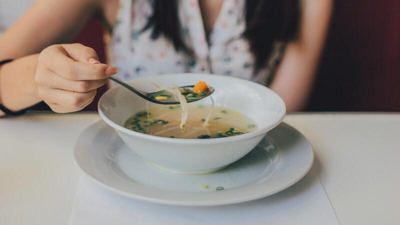 玉米海帶豆腐湯食譜,鮮美熱量低,獻給大吃大喝後的你!