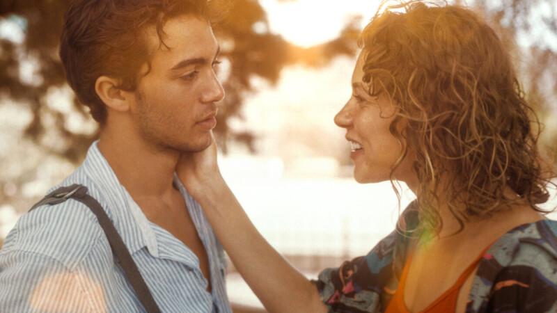 愛時全力以赴,不愛時甘心認輸,這才是對待愛情的成熟方式:永遠在否定愛情的人,不會擁有幸福