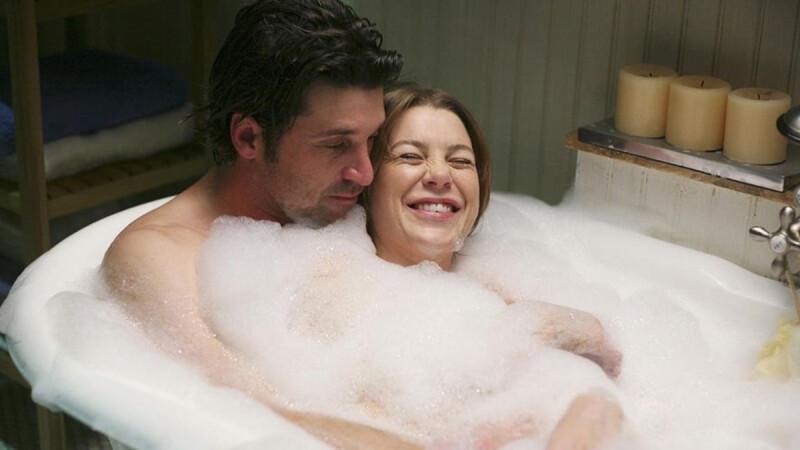 除非你要直接在浴室Happy一下,不然情侶洗鴛鴦浴一點也不浪漫