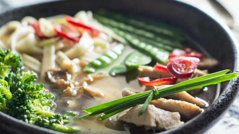 蝦仁絲瓜野菇豆腐煲/韓式牛肉海帶湯/玉米山藥枸杞排骨湯,3道入秋養瘦餐食譜來了!