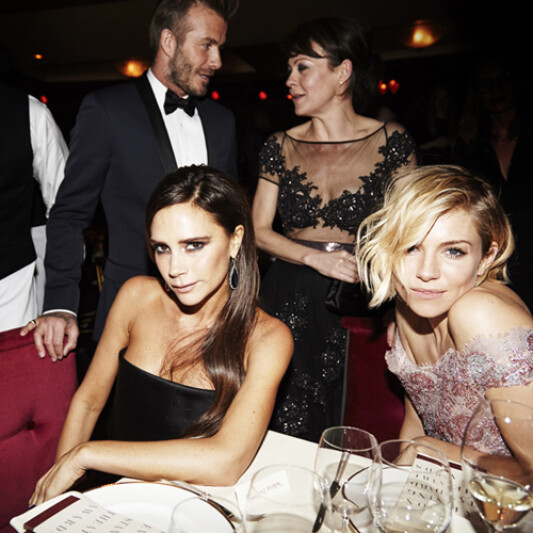 【現場直擊】Burberry X Anna Wintour再次舉辦第60屆《倫敦標準晚報》戲劇大獎頒獎典禮