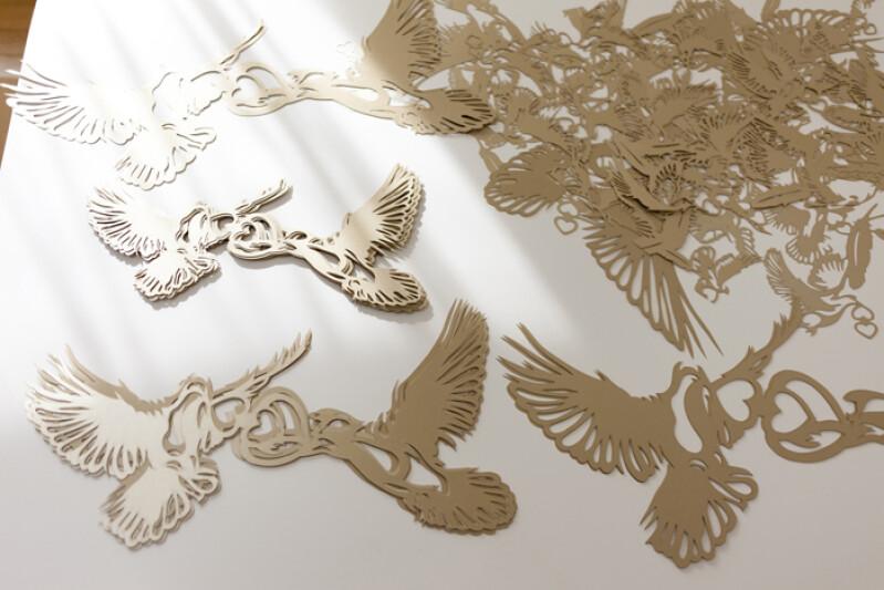 樹上的小鳥都飛去哪?BVLGARI浪漫櫥窗請來日本紙藝家跨刀助陣