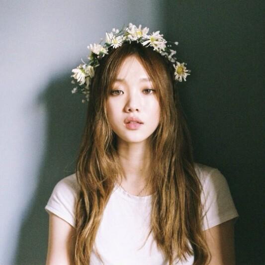仙氣飄飄!4步驟打造韓國靚模李聖經花圈盤髮