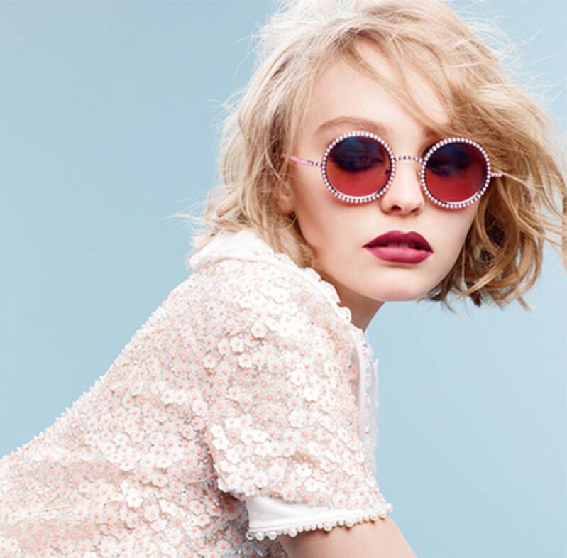 比老爸還酷!強尼戴普之女莉莉蘿絲的Chanel最新廣告形象大公開!