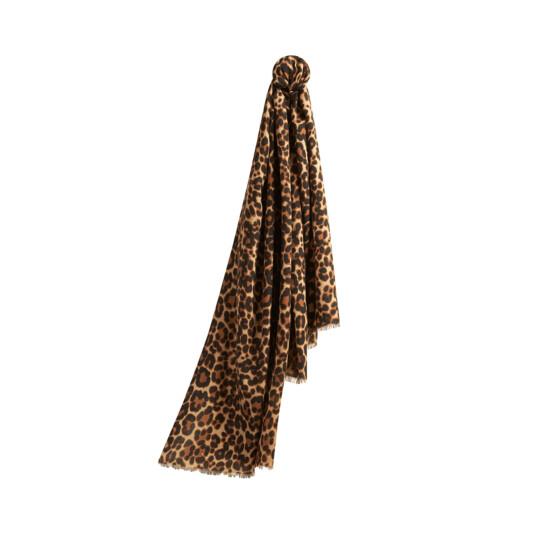 衣櫃缺的那條圍巾就在這!Burberry個人化繡字服務登場