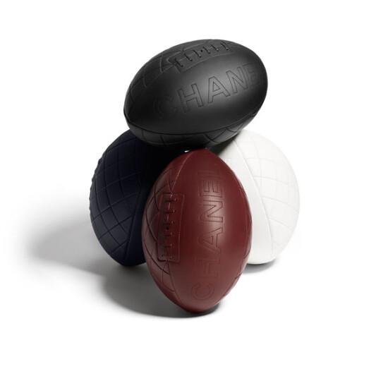 慶祝世界杯橄欖球賽Chanel設計菱格紋車縫皮革橄欖球