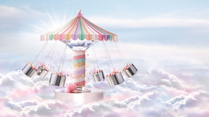 女孩最愛公主風!嬌蘭粉紅木馬限定版蜜粉球夢幻登場