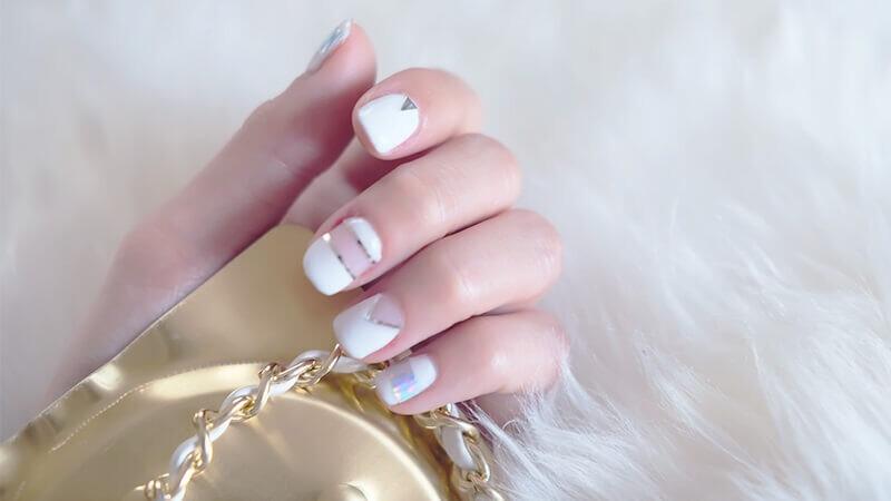 日本妹超愛的「一步驟光療指甲膠」簡單高效率一試就上手