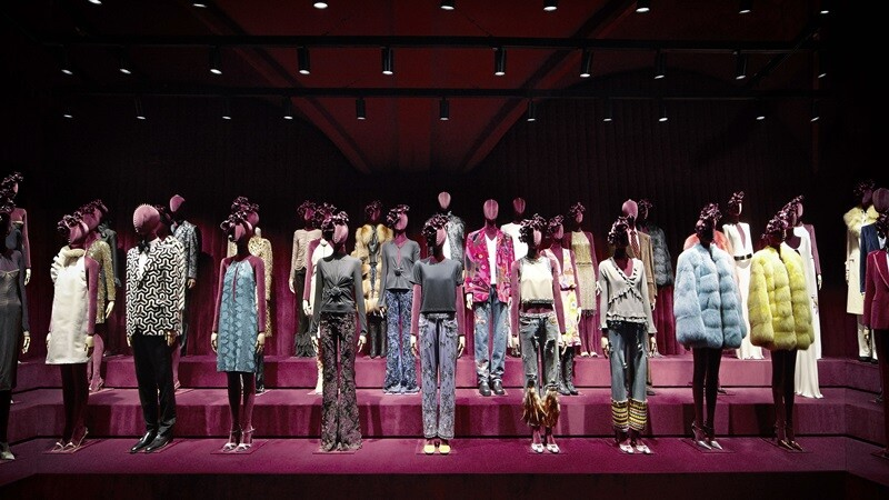 向Tom Ford致敬!注滿櫻桃紅色的佛羅倫斯Gucci博物館