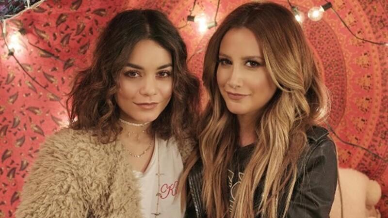 《歌舞青春》女主角Ashley與Vanessa合體開唱!抒情合音版 Ex's & Oh's超好聽