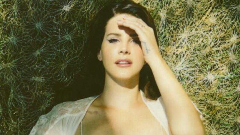 力拼凱蒂佩芮!拉娜德芮Lana Del Rey新歌〈Love〉MV也大玩復古科技