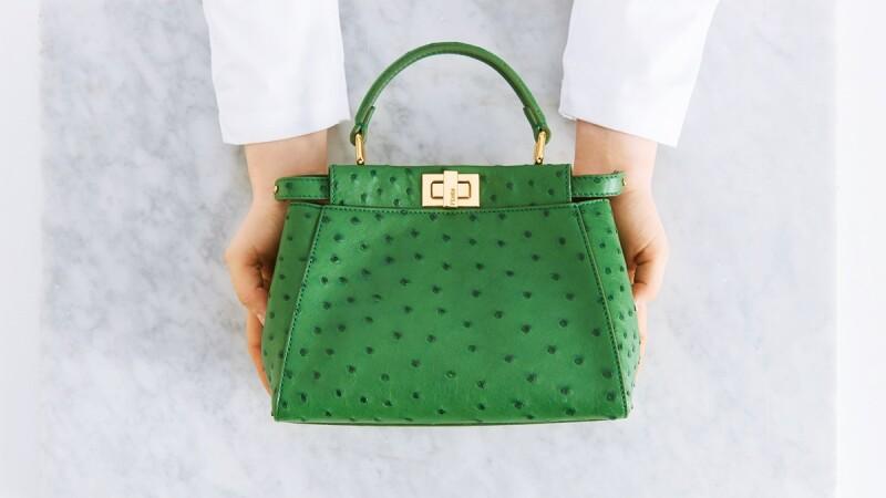 鴕鳥皮Peekaboo包這樣手工打造!FENDI推出全新奢華珍稀皮革包款