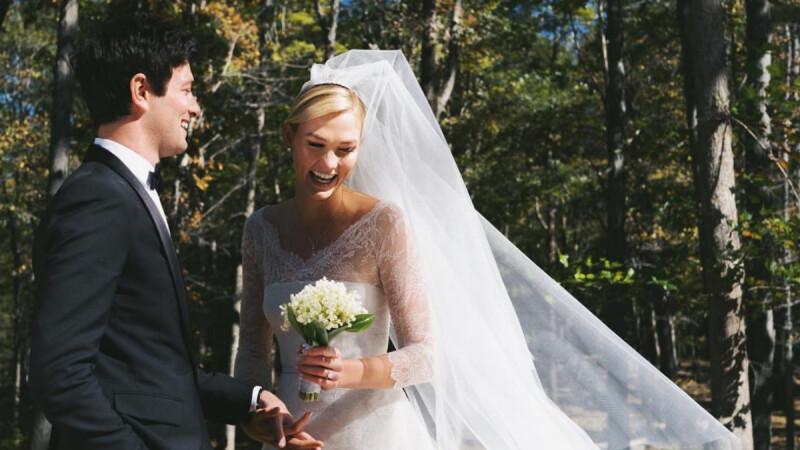 愛情長跑6年!26歲超模卡莉克勞斯和高富帥男友低調結婚啦,披絕美白紗宣布喜訊