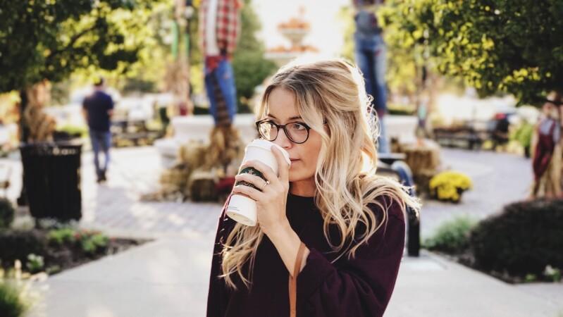 6招必知更年期保養!她才32歲已停經,壓力大、荷爾蒙失調~醫師宣告「卵巢早衰」