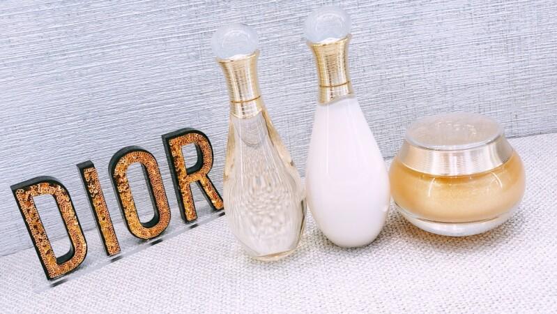 Dior迪奧J'adore推出專屬「金燦沐浴系列」,飄著J'adore香氣的沐浴精油、帶有細緻珠光的身體凝露,讓沐浴時光變成奢華享受