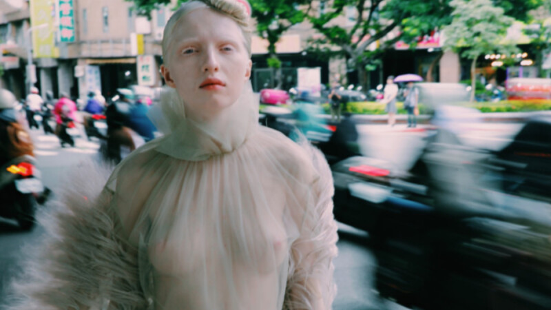 「我的外型,即使在俄羅斯,還是有人覺得白子是傳染疾病。」白化症女模的真實身體告白