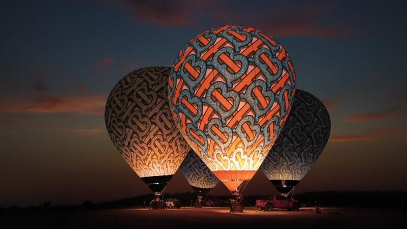 搶搭Burberry帆船、熱氣球去旅行!全新TB夏季花押字現身世界各地,其中一處離我們這麼近