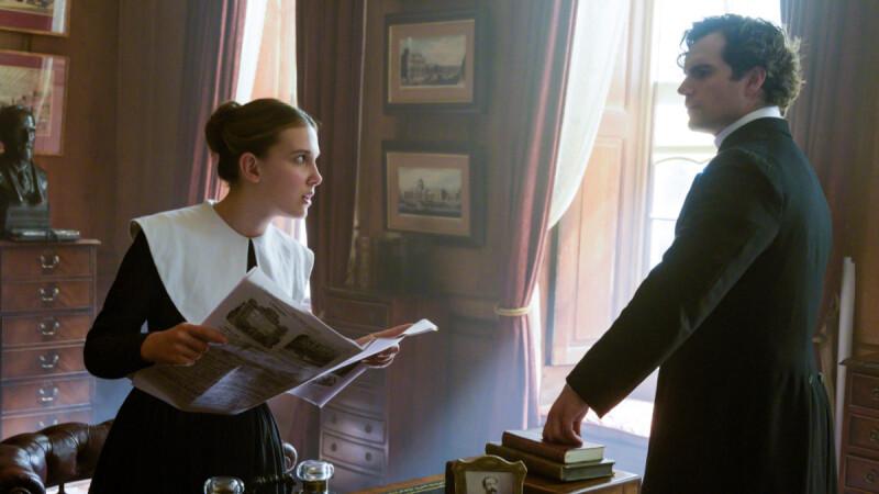 Netflix《天才少女福爾摩斯》 米莉芭比布朗變身鬥智鬥勇的偵探,勇闖大城市獨自解開失蹤母親的祕密