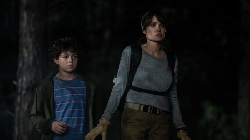 安潔莉娜裘莉新片《那些要我死的人》化身消防員!尼可拉斯霍特加盟演出,2021年5月上映