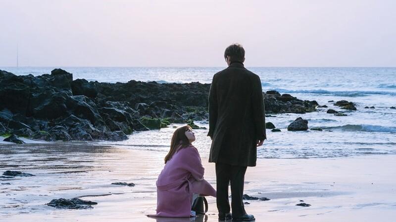 真正的愛,只是一份平靜而溫暖的陪伴;能與珍惜的人待在一起,才是最珍貴的。