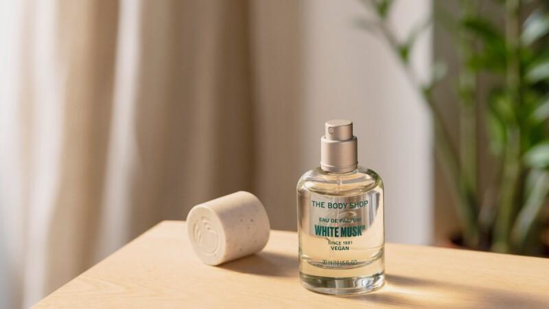 The Body Shop白麝香香水40週年全新改版升級,全系列全素成份更環保,還有香氛油、沐浴乳、疊香系列可混搭