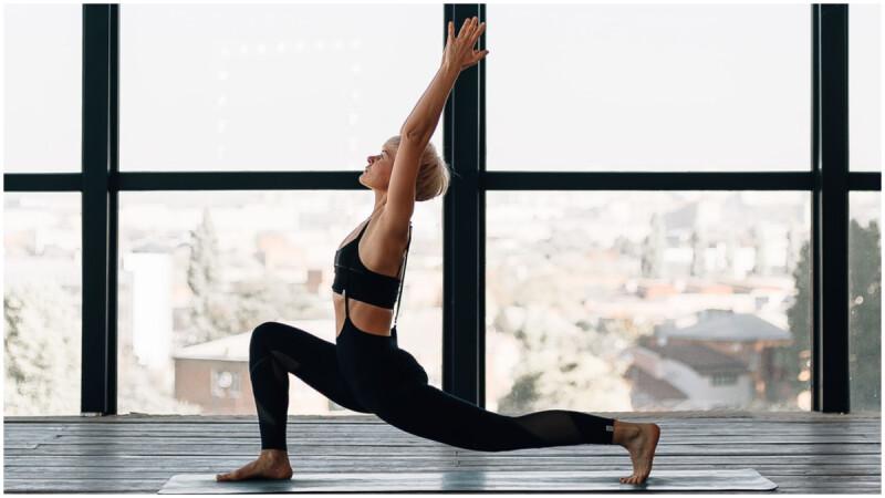 重塑腰腹線條、改善腹脹便祕,10分鐘6個扭轉瑜珈體式練起來!