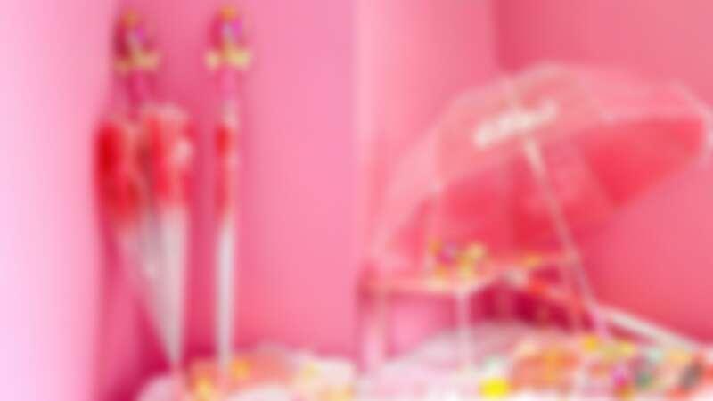 代替月亮逞罰你!韓國推美少女戰士魔法杖雨傘,2款超夢幻握把、還會發光,一秒變成月仙子
