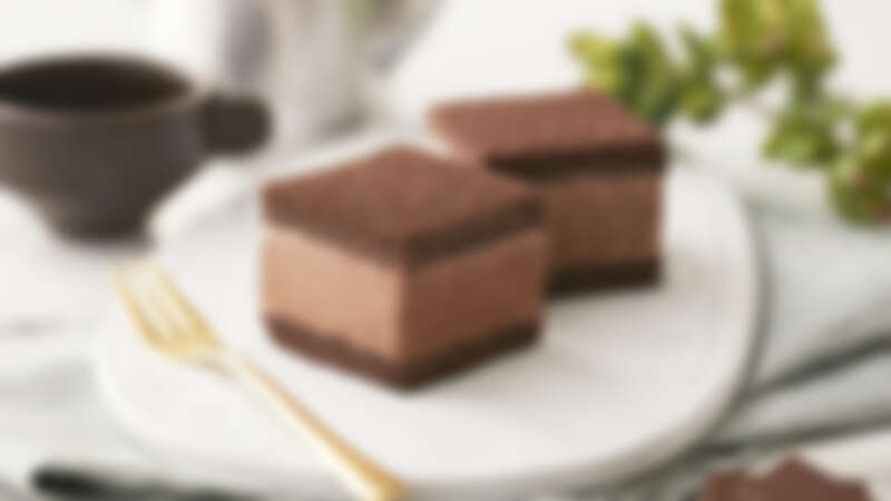COLD STONE X Hershey's全新跨界聯名!「濃巧克力冰心蛋糕」7/13開賣,使用100% Hershey's好時純天然可可粉打造